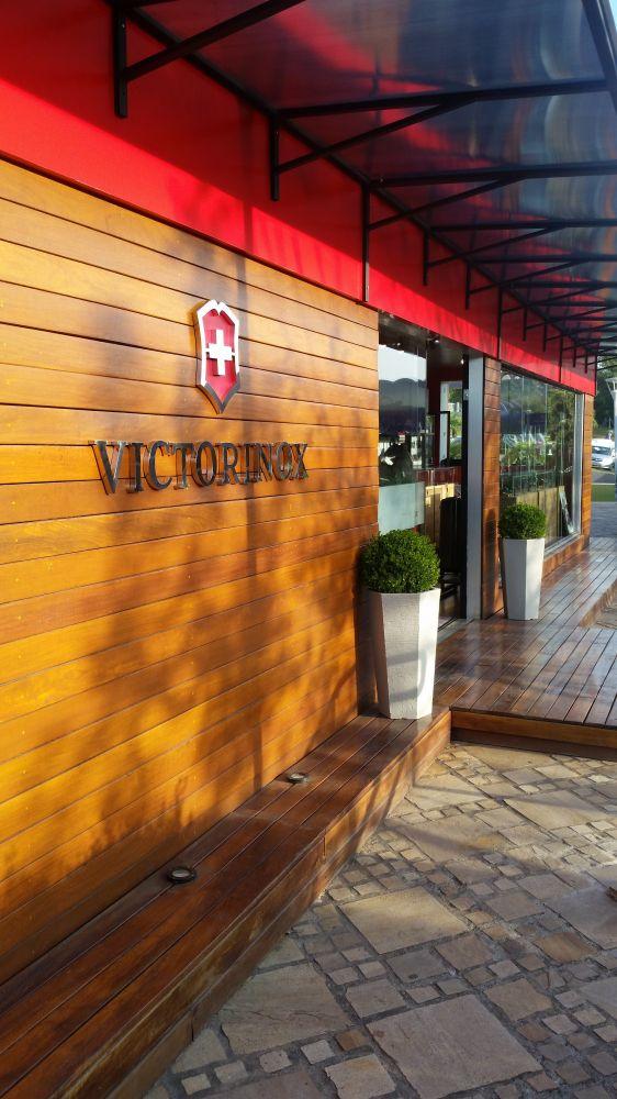 Loja Container – Outlet Premium – Victorinox