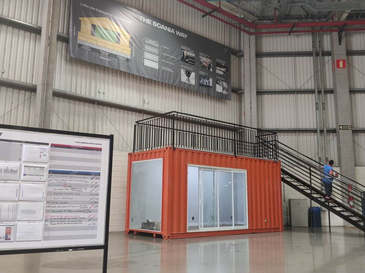 Container Stand de Vendas 20 pés / Container escritório / Container sala de reunião Scania Latin América